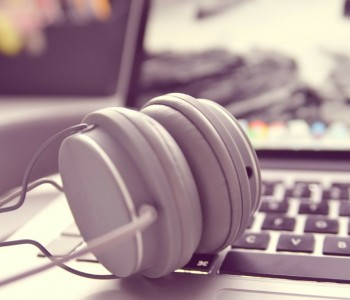 Как добавить музыку с компьютера